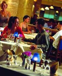 Как вести себя в ресторане с мужчиной