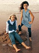 модная одежда для девушек от производителя.